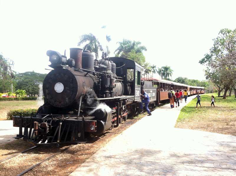 Treno a Vapore nel Parque Lenin - Avana